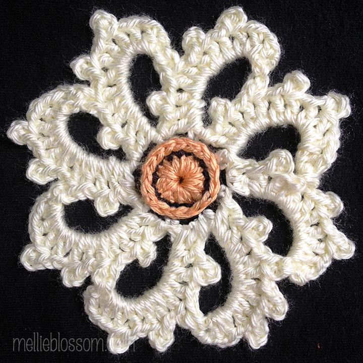 Picturesque Crochet Square - center motif in new crochet colors- mellieblossom.com